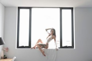 Laure-elise incall escorts