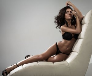 Anne-béatrice escort girls