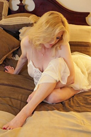 Christine-marie incall escort in Broomall