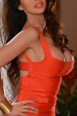 Lyliah outcall escort in Forest City