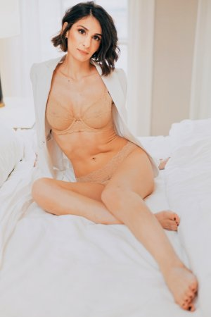 Marie-maud outcall escorts