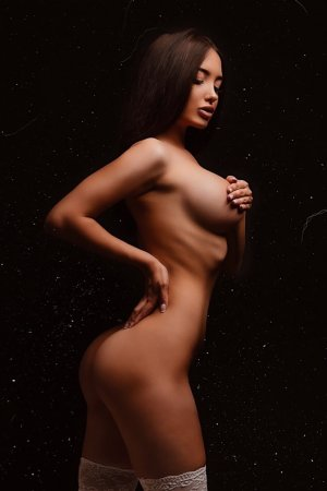 Cauline incall escorts in Broomall